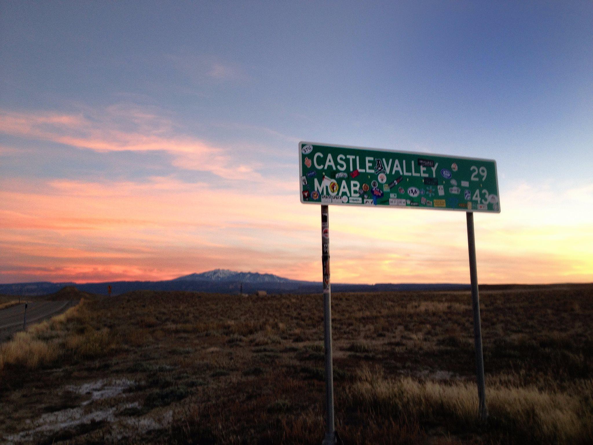 castle valley moab golden hour